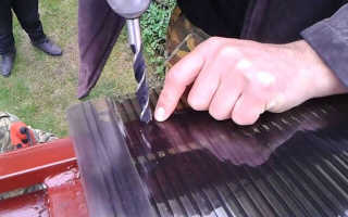 Крепление поликарбоната к металлическому каркасу теплицы: правила, подбор крепёжных устройств, соединяемый профиль